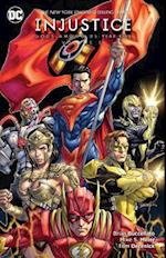 Injustice Gods Among Us Year Five Vol. 3 af Brian Buccellato