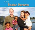 Foster Parents af Rebecca Rissman