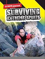 Surviving Extreme Sports (Raintree Freestyle: Extreme Survival)