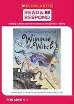 Winnie the Witch af Samantha Pope
