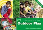 Outdoor Play Carrying on in Key Stage 1 (Carrying on in Key Stage 1)
