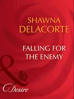Falling For The Enemy (Mills & Boon Desire) af Shawna Delacorte