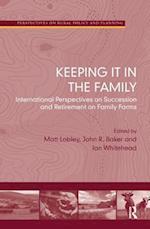 Keeping it in the Family af John Baker, Ian Whitehead, Matt Lobley