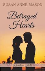 Betrayed Hearts (Rainbow Falls, nr. 1)