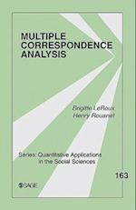 Multiple Correspondence Analysis (QUANTITATIVE APPLICATIONS IN THE SOCIAL SCIENCES, nr. 163)