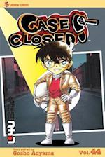 Case Closed 44 (Case Closed (Graphic Novels))