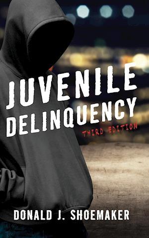 Bog, hardback Juvenile Delinquency af Donald J. Shoemaker