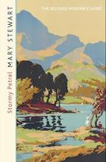Stormy Petrel af Mary Stewart