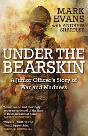 Bog, paperback Under the Bearskin af Mark Evans