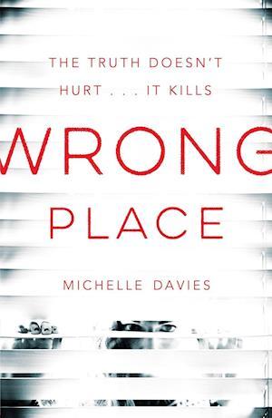 Bog, hardback Wrong Place af Michelle Davies