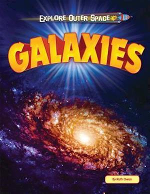 Bog, paperback Galaxies af Ruth Owen