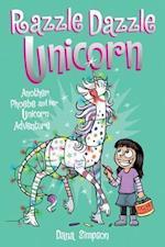Phoebe and her Unicorn 4 af Dana Simpson