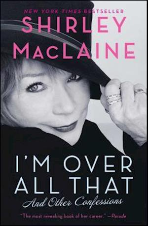Bog paperback I'm Over All That af Shirley MacLaine