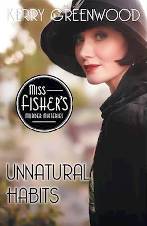 Bog, paperback Unnatural Habits af Kerry Greenwood