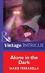 Alone in the Dark (Mills & Boon Vintage Intrigue) af Marie Ferrarella