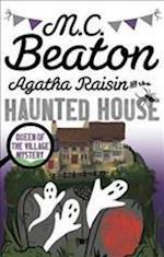 Agatha Raisin and the Haunted House af M. C. Beaton