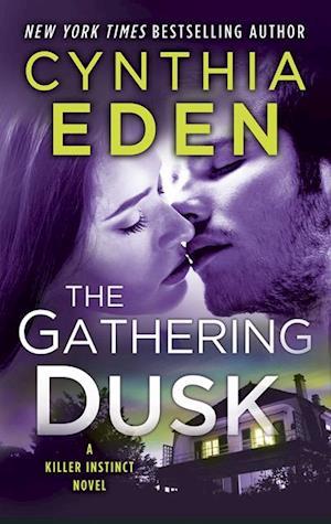 Gathering Dusk af Cynthia Eden