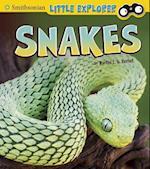 Snakes (Smithsonian Little Explorer)