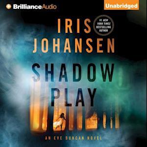 Shadow Play af Iris Johansen