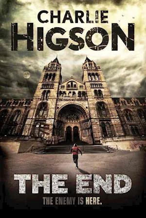 Bog, paperback The End af Charlie Higson