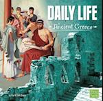 Daily Life in Ancient Greece af Lisa M. Bolt Simons