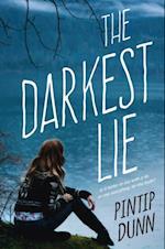 Darkest Lie af Pintip Dunn