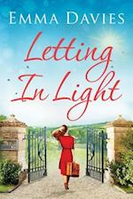 Letting In Light af Emma Davies