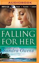 Falling for Her af Sandra Owens