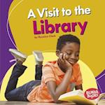 A Visit to the Library (Bumba Books Places We Go)