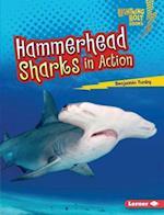 Hammerhead Sharks in Action (Lightning Bolt Books Shark World)
