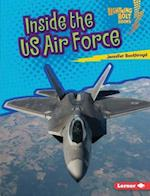 Inside the Us Air Force (Lightning Bolt Books Us Armed Forces)