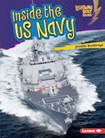 Inside the Us Navy (Lightning Bolt Books Us Armed Forces)