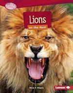 Lions on the Hunt (Searchlight Books Predators)