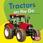 Tractors on the Go (Bumba Books Machines That Go)