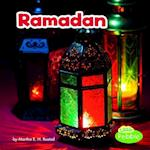 Ramadan (Holidays Around the World Paperback)