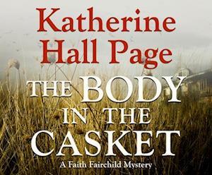 Lydbog, CD The Body in the Casket af Katherine Hall Page