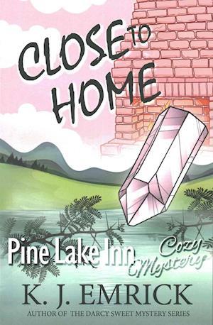 Bog, paperback Close to Home af K. J. Emrick