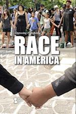 Race in America (Opposing Viewpoints (Paperback))