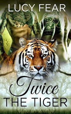 Bog, paperback Twice the Tiger af Lucy Fear