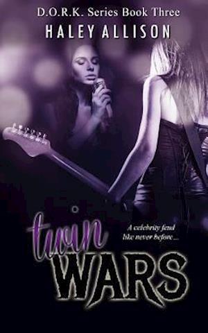 Bog, paperback Twin Wars af Haley Allison