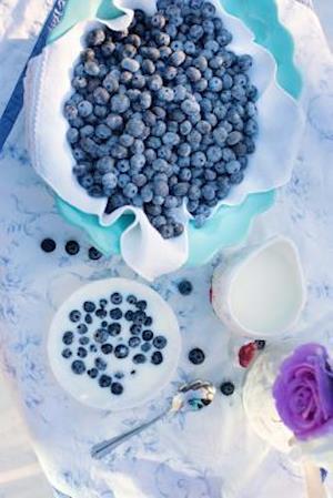 Bog, paperback Blueberries and Cream, for the Love of Food af Unique Journal