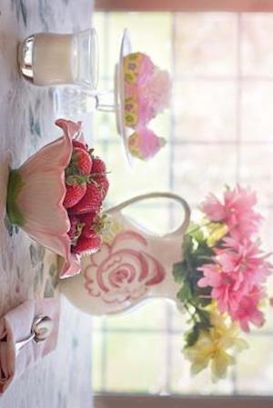 Bog, paperback Strawberries and Cream for Breakfast af Unique Journal