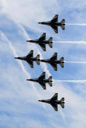 Bog, paperback Six Thunderbird Jets in Tight Formation Journal af Cool Image