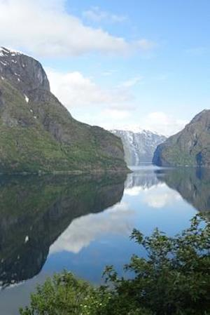Bog, paperback Aerial View of Sognefjord Fjord in Norway af Unique Journal
