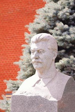 Bog, paperback Grave of Josef Stalin at Red Square in Moscow Russia Journal af Cool Image