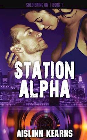 Bog, paperback Station Alpha af Aislinn Kearns