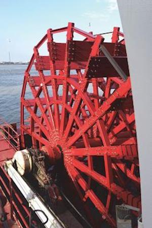 Bog, paperback Paddle Wheel of a Riverboat on the Mississippi River Journal af Cool Image