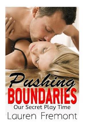 Bog, paperback Pushing Boundaries af Lauren Fremont