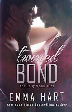 Bog, paperback Twined Bond (Holly Woods Files, #7) af Emma Hart