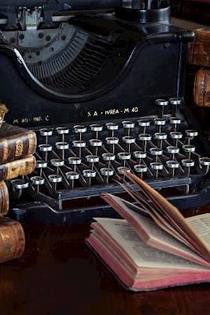 Bog, paperback A Vintage Typewriter and Vintage Books Journal af Cs Creations